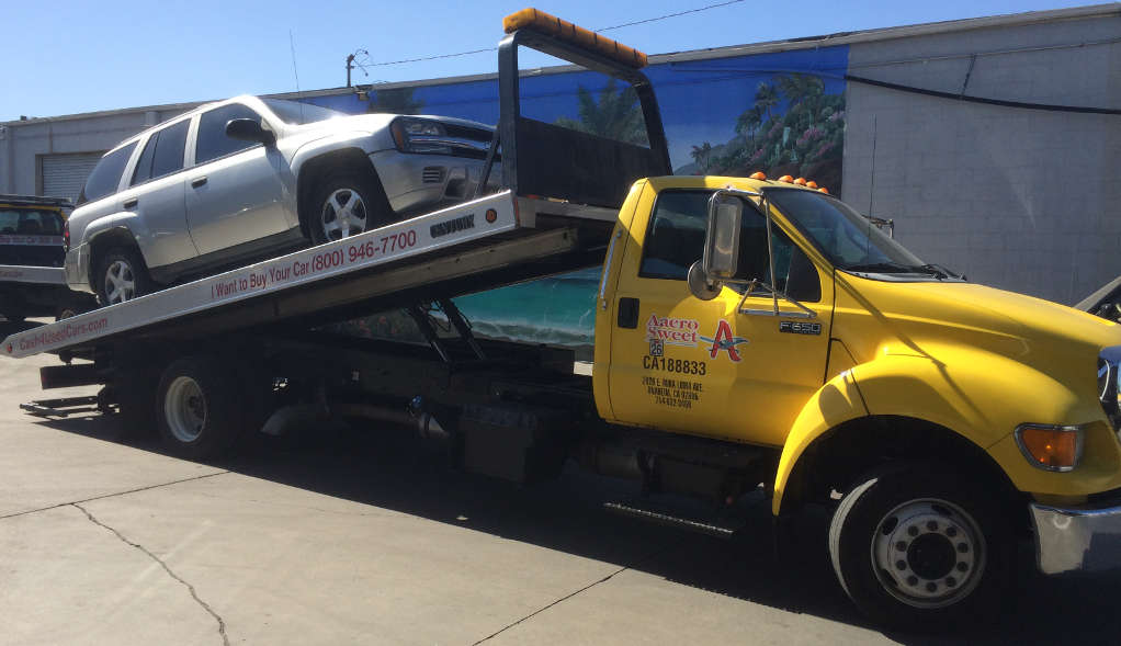 Cash For Cars Los Angeles premium Flatbed Tow Truck